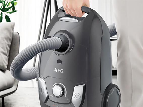 AEG VX4 1 IW P X Efficiency Ice White Bodenstaubsauger bei