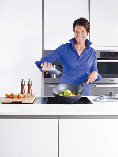 woll saphirlite 1026sl guss wok und r hrpfanne 26cm aluminium schmiedeguss ebay. Black Bedroom Furniture Sets. Home Design Ideas